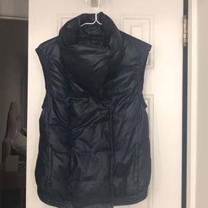 Vince 💙puffer vest navy xs magnetic closure zip